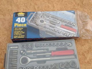 tool house 40 piece SAE and metric socket set