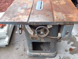 Delta Rockwell 10 in unisaw untested as we have no 220 to plug into plus attachments that were with the saw