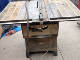 working Craftsman 10 in bench saw
