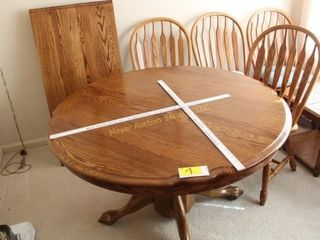 Oak Dining Room Table & Chairs w/leaf