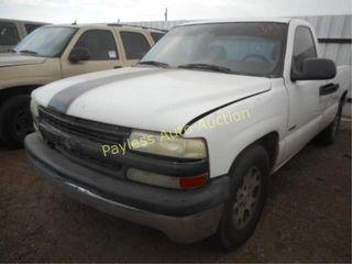 2001 Chevrolet Silverado 1GCEC14W21Z181696 White
