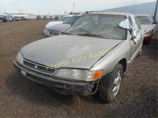 1997 Honda Accord 1HGCD5605VA072899 Gray