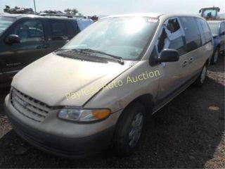 2000 Plymouth Grand Voyager 1P4GP44R2YB552850 Gold