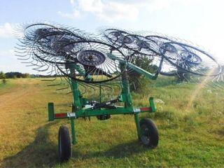 2018 WR3110 Frontier 10 wheel rake