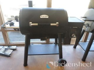 Broil King Smoke Pellet XL Pro as photographed.