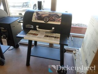 Broil King Smoker Grill XL, Retail $599.00 as