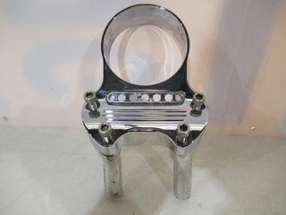 H D Chrome Speed Housing   Handle Bar Clamps