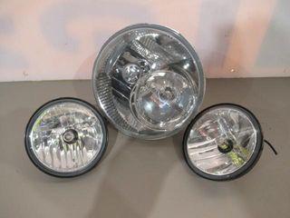 Headlight Bulb   2 Spotlight Bulbs lED lights