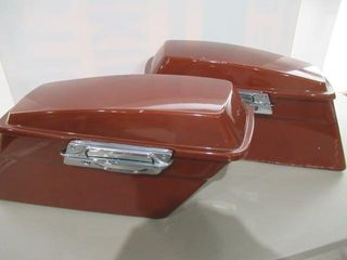 H D Saddlebags With Accessory latches Some Scratch