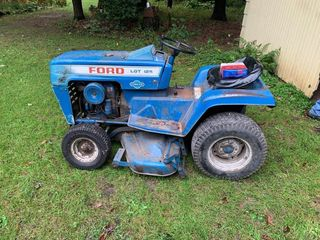 1976 Ford LGT125 Lawn Tractor