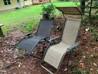 2 Lawn Lounges