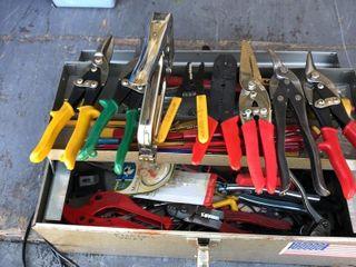 Mutiple tool lot: box, levels,tools, snips