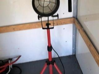 Job lot: Craftsman flood light, bench grinder