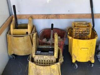 3 Rubbermaid mop bucket, white bucket