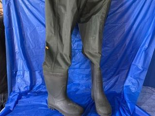 A pair of size 9 chest waders