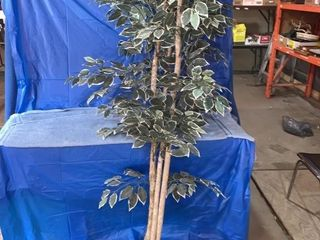 Plastic ornamental tree