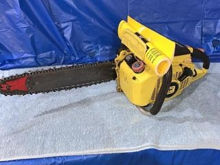 John Deere 55v chainsaw - runs good
