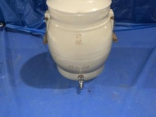 5 gallon Ice Water crock complete with lid, lid
