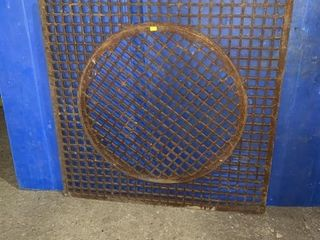 30 1/2 x 30 1/2 cast iron grate comes with a 22
