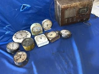 Quantity of clocks - poor condition, Arcadia