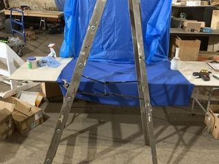 6 1/2 foot wooden step ladder