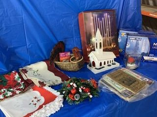 Miscellaneous Christmas items including electric