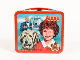 1981 ANNIE EMBOSSED LUNCH BOX