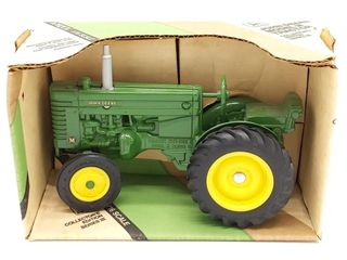 Ertl John Deere Model M Die Cast Tractor in Box