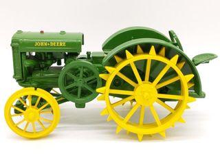 Ertl John Deere Model D Die Cast Tractor