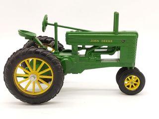 Ertl John Deere Model G Die Cast Tractor - 1/16