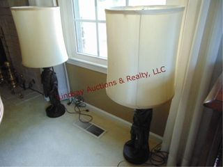 2 lamps w  shades  Avespuce   C  Colomb