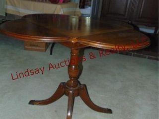 Wood table w  fold down sides 39x39x27