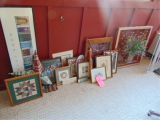 Approx 17 pictures signs decor items   other