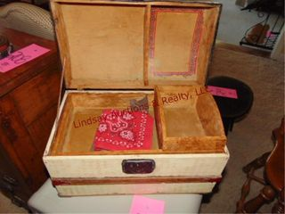 Small vintage doll childs trunk