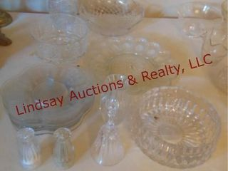 Approx 15 pcs of clear glass  S P shakers  plates