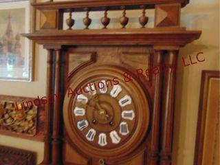 Vintage wood wall clock w  key