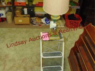 2 stools   vintage lamp