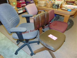 4 rolling office chairs