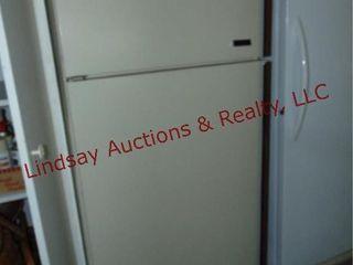 Frigidaire top bottom fridge freezer 31x29x64
