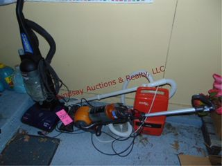 Group of 3 vacuums SEE PICS