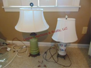 2 decorative table top lamps w  shades
