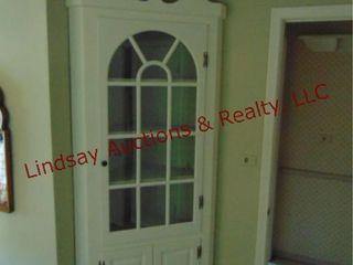 Wood white corner cabinet Approx 36x175x93   Buyer