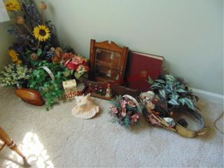 Group of misc decor  faux plants  shell    other