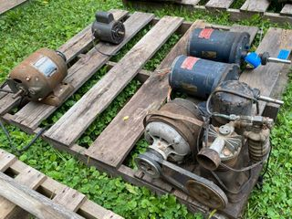 5 Motors. Craftsman 1/2 HP, Two GM 1/4 HP and...