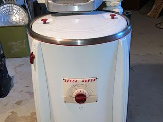 Rare Antique Speed Queen Washer and 2 galvani...