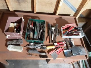 Wire Brushes, Scrub Brushes & Paint Scrapers