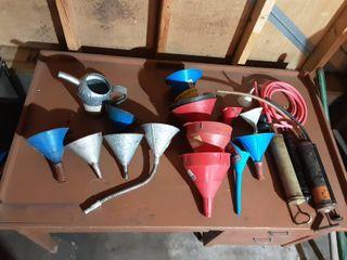 Funnels & Suction Pumps