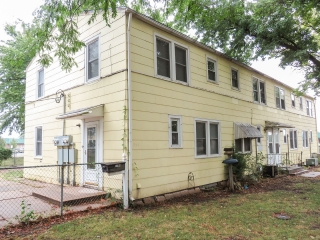 (SE) ABSOLUTE - 3-BR, 1.5-BA Two-Story Home in Hilltop Manor