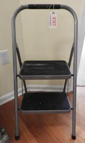 Lot # 4267 - Folding two tier step stool