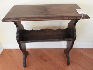 Lot # 4284 - Walnut Depression era end table